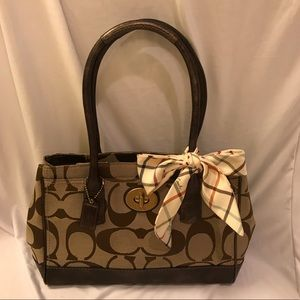 Coach signature C handbag